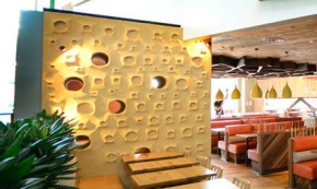Embossed clay finish, Nando's restaurant in Beaconsfield