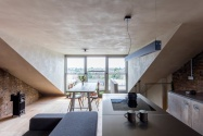 Clay_walls_and_ceilings_by_Guy_Valentine_at_Simon_Astridge's_Clay_House_Best_Interior_Design_Award_photo_by_Nicholas_Worley3