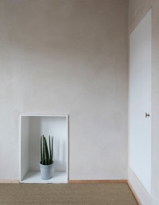 Clay_walls_and_ceilings_by_Guy_Valentine_at_Simon_Astridge's_Clay_House_Best_Interior_Design_Award_photo_by_Nicholas_Worley5