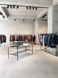 Princess_store_in_Antwerp_Belgium_Clay_Walls_and_ceilings_installed_by_Guy_Valentine_Ltd10