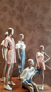Textured Clay Installation by Guy Valentine Ltd, Urban Revivo Flagship Store at Westfield London, photo by Linde Davies 1